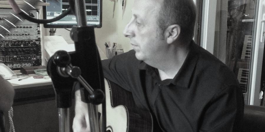 Enzo - Auden guitars artist