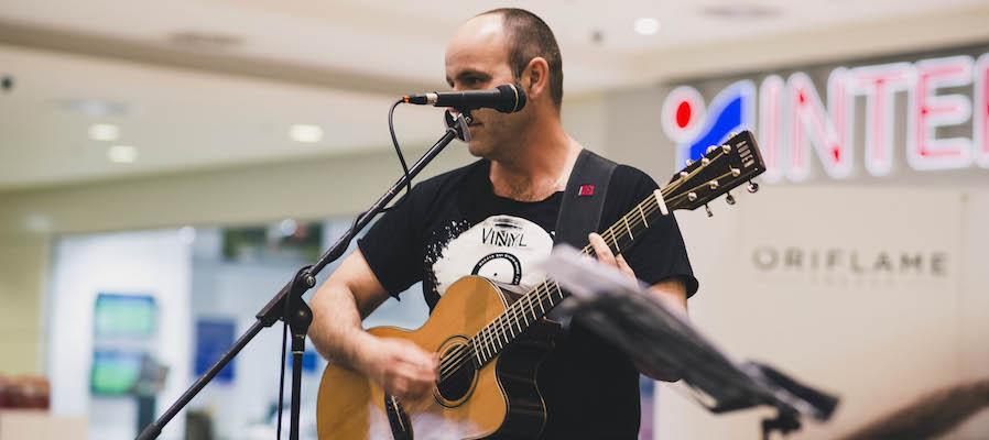 Horea Crisovan plays Auden Guitars