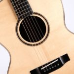 Auden 000 acoustic guitar Chester Spruce Full Body Close