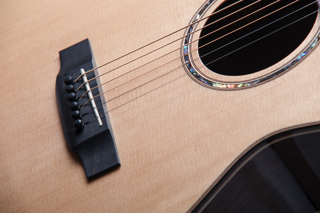Bowman spruce fullbody acoustic guitar details