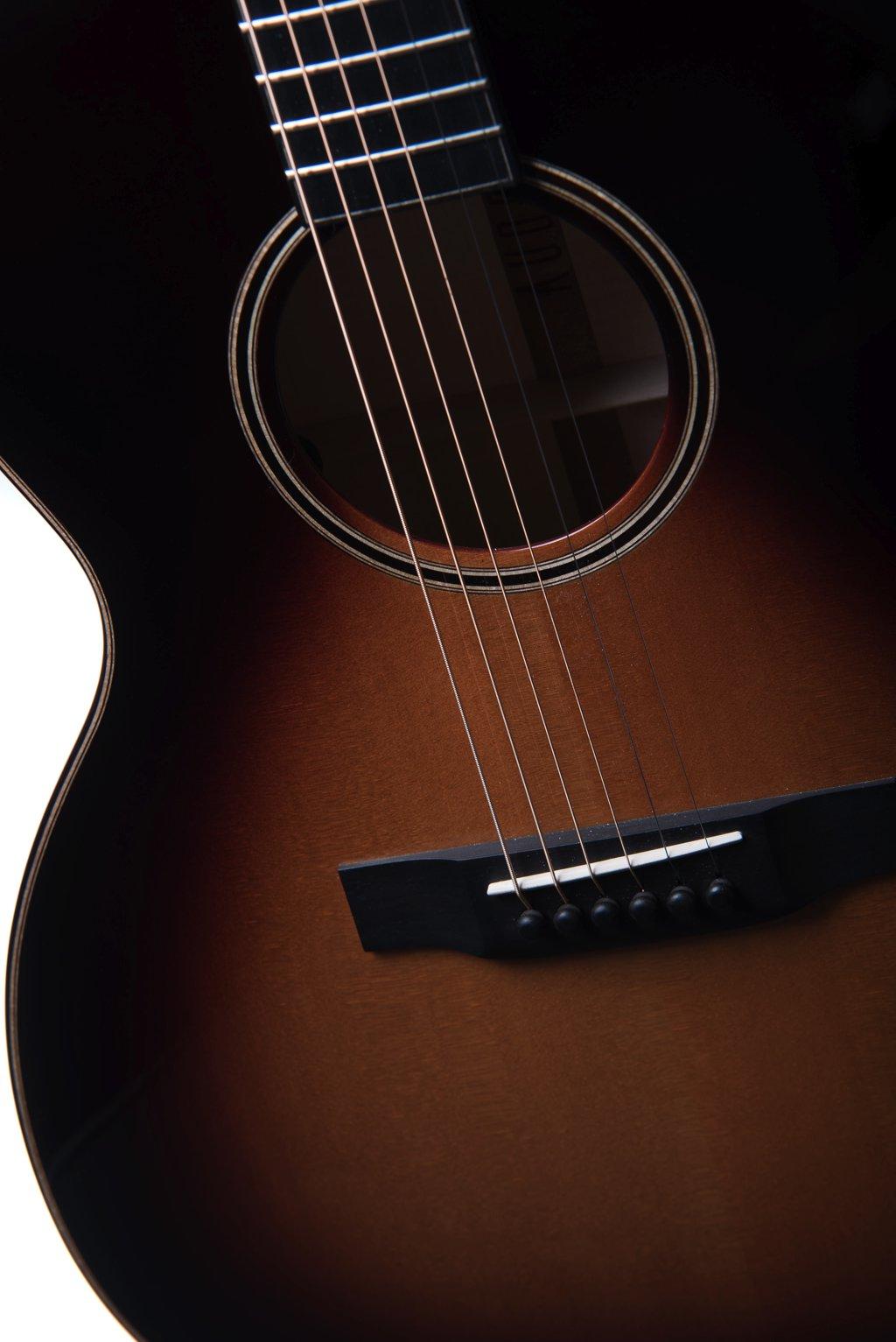 Chester sunburst strings - Auden acoustic guitar