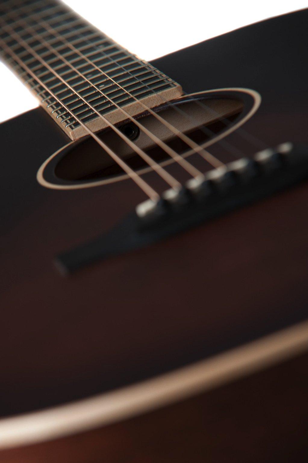 Julia acoustic guitar by Auden Guitars