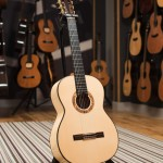 Montoya classical guitar - 50S - front image