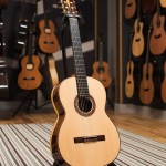 Montoya classical guitar - 80S - front image