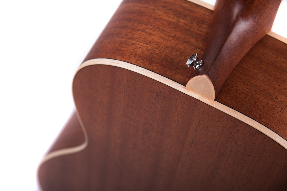 Marlow Neo - acoustic guitar by Auden Guitars. Rear body image.