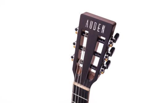 Special Julia Nylon Cedar acoustic guitar - head